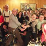 Alleinunterhalter CoolCat feiert Geburtstag mit fröhlicher Gästeschar