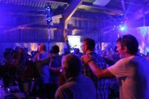 Alleinunterhalter CoolCat sorgt für Superstimmung an 50. Geburtstag